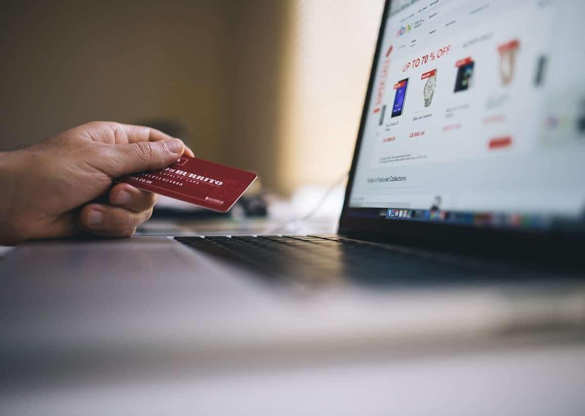 Les avantages de passer par un prestataire logistique e-commerce même quand on débute son activité